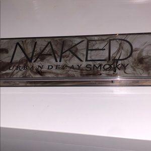 "Urban decay naked palette ""smoky"""
